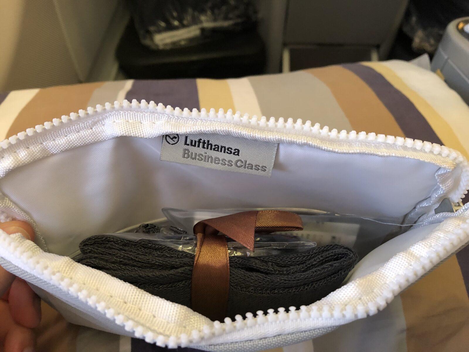 Amenity Kit der Lufthansa Business Class