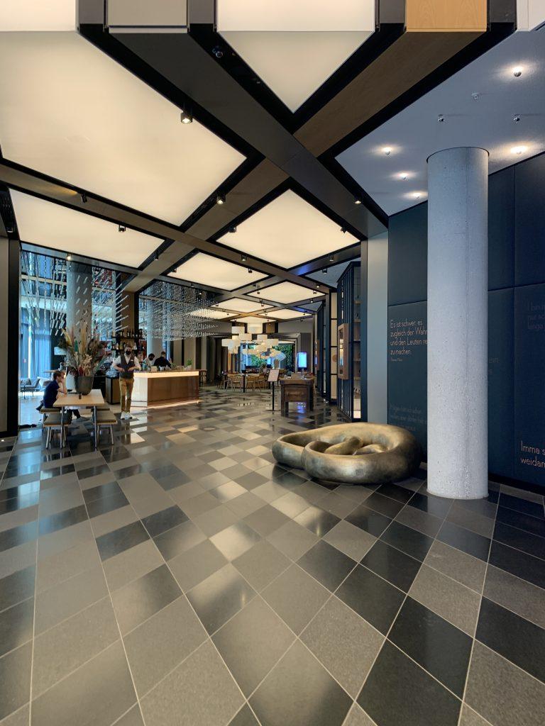 Lobby im Andaz München